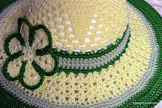 Be-a-start-child_s-sun-hat-free-crochet-pattern-yellow-and-green_small2