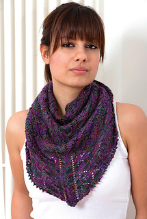Winter_berries_scarf_small2