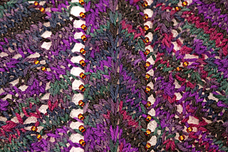 Winter_berries_scarf_detail_small2