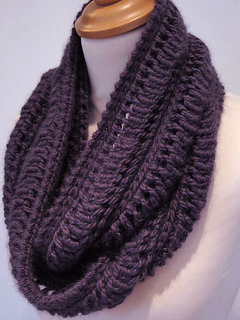 Edie_infinity_scarf2_small2