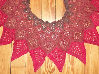 Unique_2520sheep_2520dahlia_2520shawl_small2