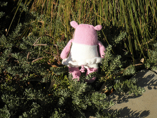 Pink_hippo_back_small2