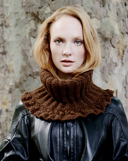 Jerri_cowl_frilly_knitted_neck_warmer_small2