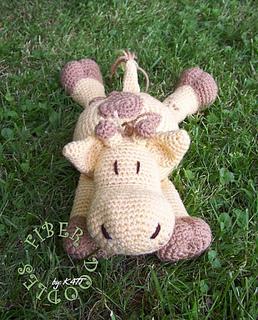 Giraffepillowpal_complete01_small2