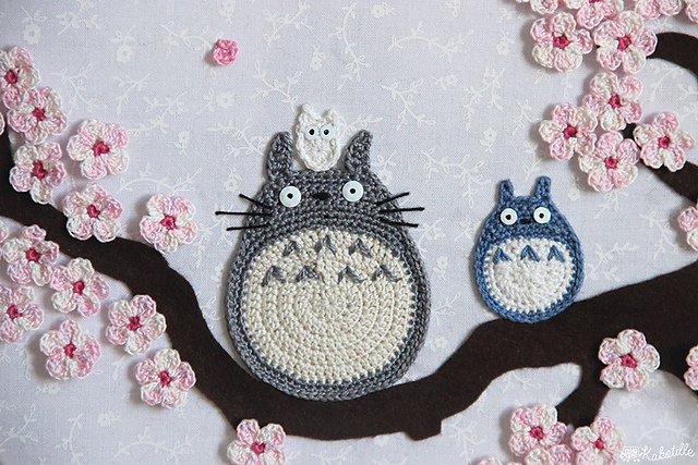Totoro appliqué par Kakotille Maillalenvers au crochet