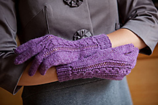 Lace-and-twist-gloves-4_small2