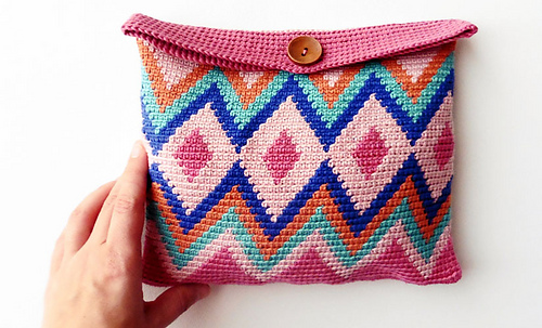 Ravelry: Tapestry Cosmetic Bag pattern by Fil Katia