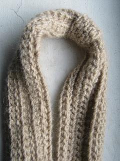 Crochet-ear-warmer-close_small2