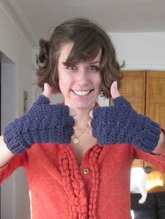 Thumbs-up-crochet-pattern-glove_small2