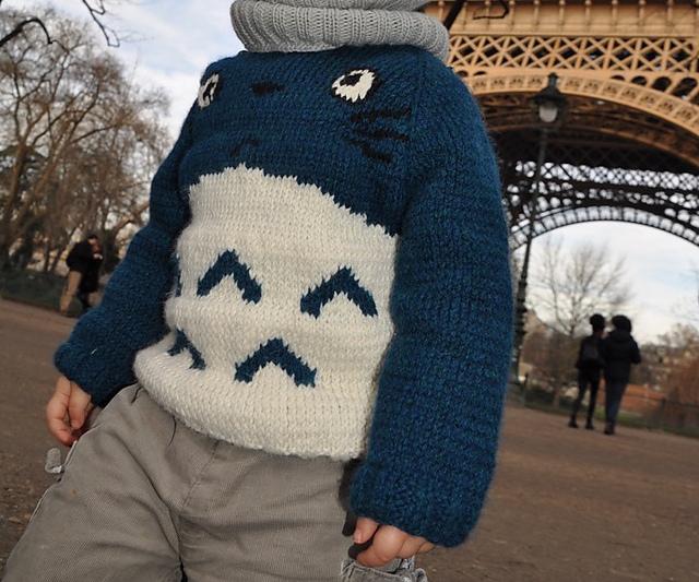 Pull tricoté gratuit en français Totoro par Klervi Roudot