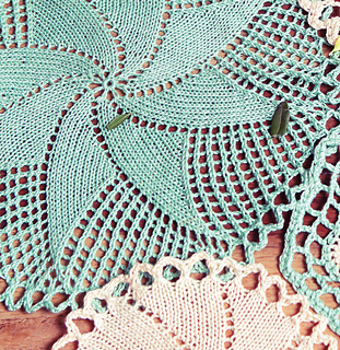 Knitted_doilies_small2