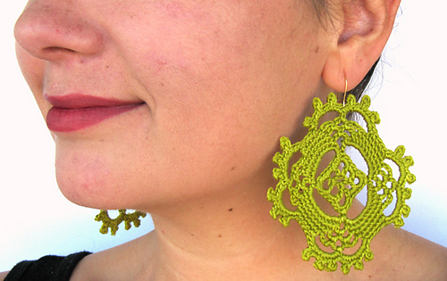 Happy_earrings_green_2_medium