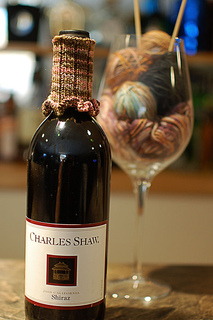 Ruffled-bottle-neck_small2