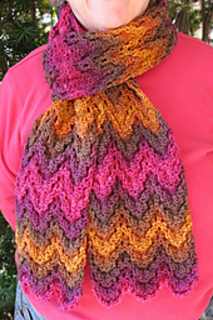 Hummingbird_queen_scarf_3_small2