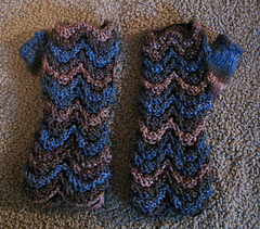Dapper_duchess_mitts_1_small