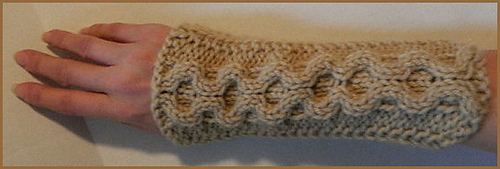 Tan_honeycomb_arm_warmer_knit__4__medium