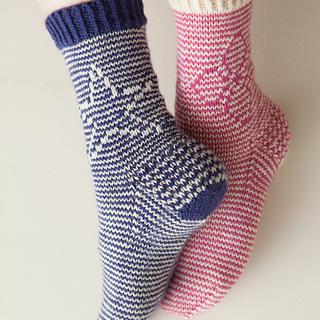 Both_socks_photo__1_toe_down_small2