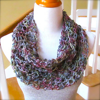 Knitting Pattern For Infinity Scarf With Bulky Yarn : Ravelry: Easiest Ever Infinity Scarf pattern by Lori Bennett Kramer