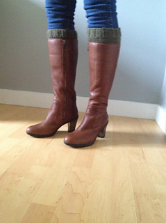 Green_boot_cuffs_medium2_small2