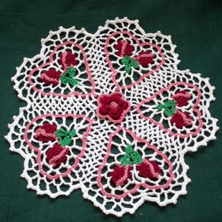 Rose_bud_doily_002_small2
