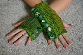 Kelly_s_glovessize_small2