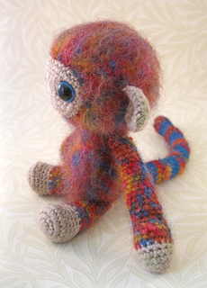 Woolly_monkey_red_05_small2