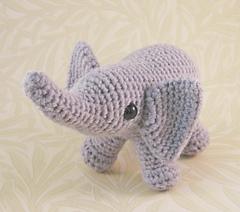 Baby_elephant_02_small