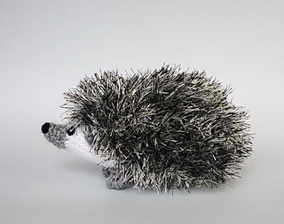 Small Hedgehog Knitting Pattern : Ravelry: Curious hedgehog pattern by Kati Galusz