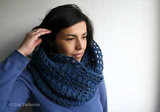 Navy_blue_cowl__123__6_small2