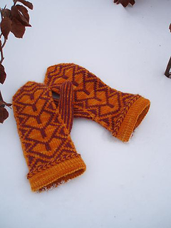 Heartgate_mittens_small2