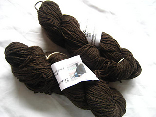 Great_northern_yarns_100__yak_small2