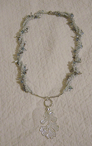 Frosted_20leaf_20necklace_2001_medium