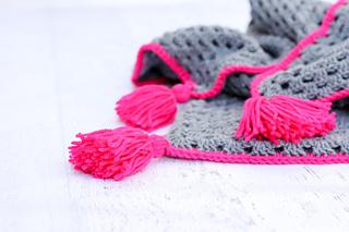 Free-crochet-hooded-baby-blanket-pattern-4_small2