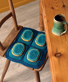 Crochet_at_home_-_overstuffed_seat_cushions_beauty_shot_small2