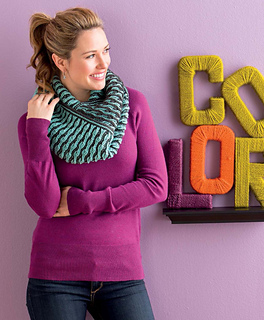 Brioche_chic_-_reversible_infinity_scarf_beauty_shot_small2