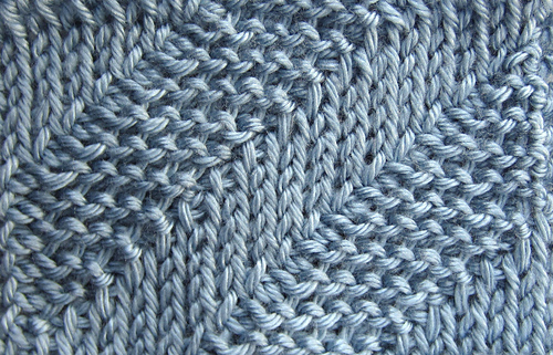 Diagonal_stripes_medium