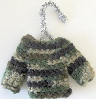 Camo_mini_sweater_small2