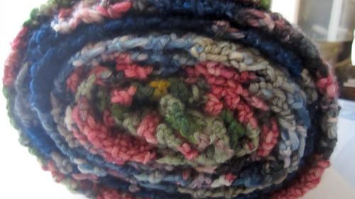 Temperature_scarf_folded_roll_medium