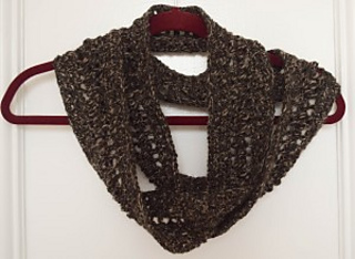 Alpaca-caress-infinity-scarf-free-crochet-pattern-by-marie-segares-2-of-4-300x219_small2