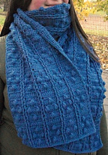 Bobble_diamonds_and_posts_scarf_edit_small2