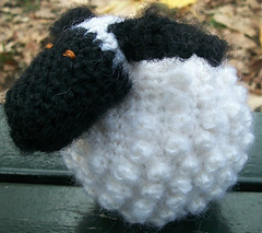 Chubby_sheep_side_view_small