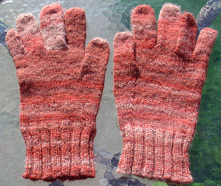 Redcrossgloves_small2