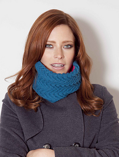Vanessa_cowl_teal_and_fuchsia_small2