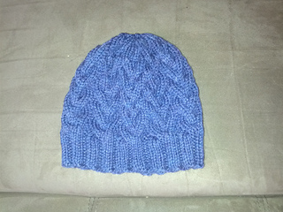 Purple_cabled_hat_small2