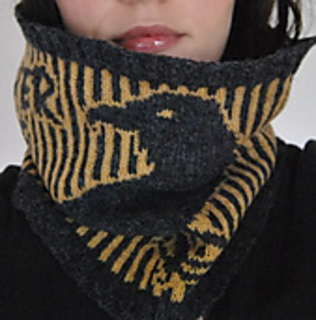 The_nevermore_cowl_014_small2