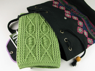 Carriewolf-modernneedlepoint-kindle-fire-crochet-cable-fish-leaf-green-microspun-4933_small2
