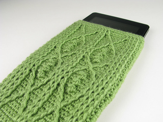 Carriewolf-modernneedlepoint-kindle-fire-crochet-cable-fish-leaf-green-microspun-4938_small2