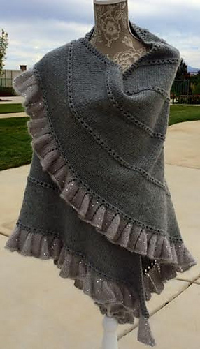 Champagne_shawl_front_medium