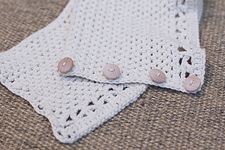 Button-up-cowl-crochet-pattern-by-mon-petit-four_small2