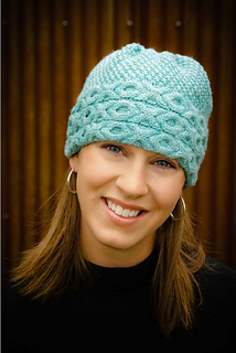 Aran-cabled-hat_small2